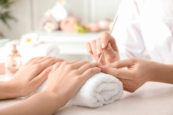 manicure e1587111697433